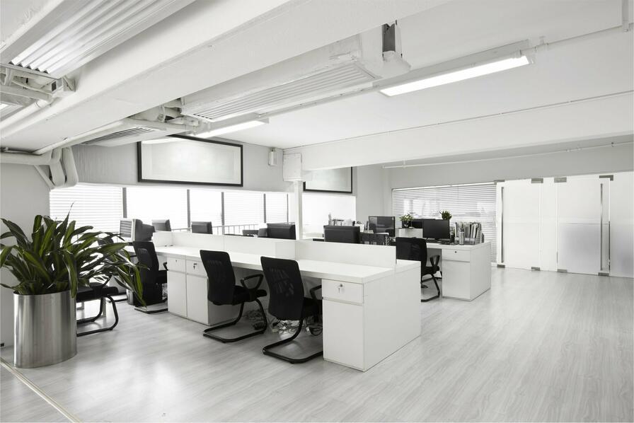 Dostatok svetla je veľmi kľúčová ku koncentrácií Vašich zamestnancov.